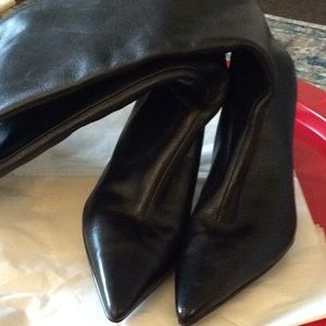 ALDO BLACK LEATHER BOOT...IN GOOD CONDITION